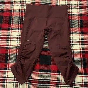 Lululemon 3/4 leggings, maroon